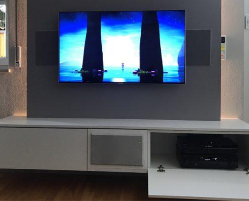 Montage einer TV-Medien Wohnwand