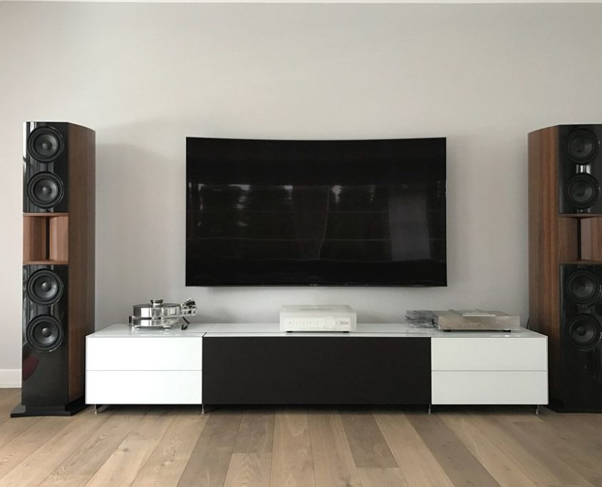high end hifi und tv audio team. Black Bedroom Furniture Sets. Home Design Ideas